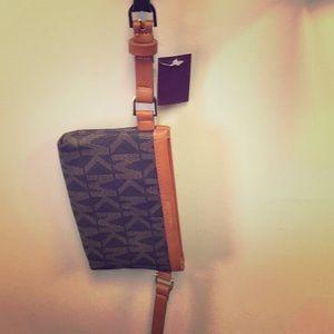 Michael Kors wallet belt/ fannypack